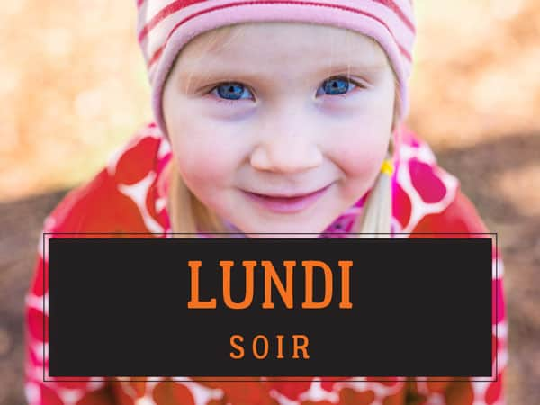 Photo d'un enfant avec l'inscription «lundi»